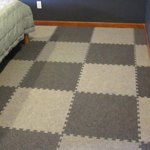 Checked Bedroom Floor Carpet For Home