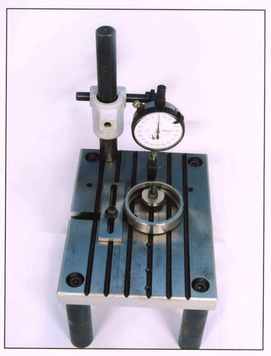 RE-1 Mechanical Comparator