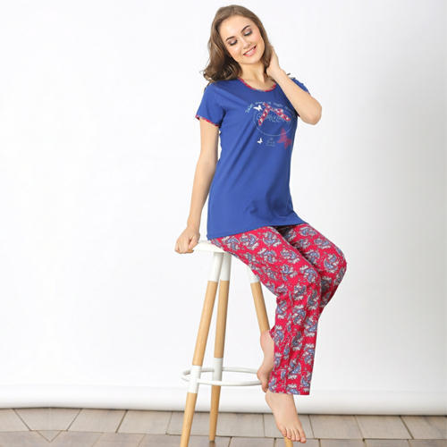 Hosiery Cotton Printed Designer Ladies Pyjama Set e471a862c