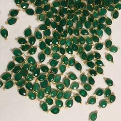 Natural Green Onyx Bezel Connectors Gold Plated