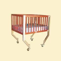 MS,Wooden Baby Cot with Mattress, Age Group: 0-24 Months