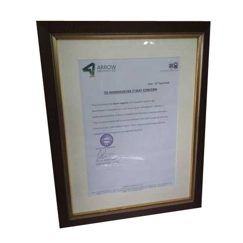 wooden certificate frame at rs 500 piece certificate ko lagane