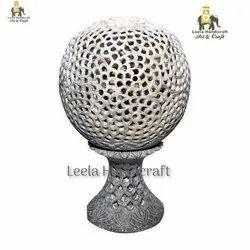 Soapstone Globe Undercut Taj Mahal