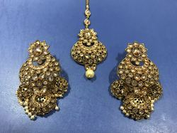 Bridal Mehandi Polish Earring Tikka Set
