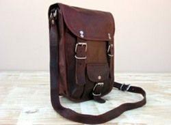Vintage Leather Portrait Curve Messenger Bag