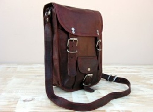 30c302d662b4 Vintage Brown HV Vintage Leather Portrait Curve Messenger Bag