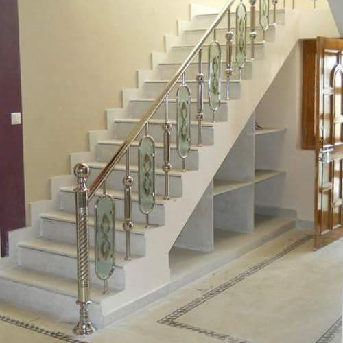 Stainless Steel Designer SS Stairs Glass Railing, Rs 400 ...