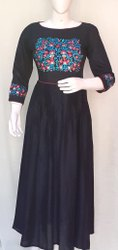 Emb Gown