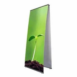 LT Banner Stand