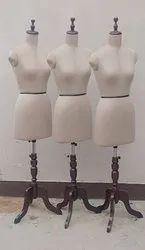Female Standing Display Mannequin, For Showroom, Size: 08