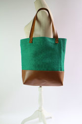 Jute Bag With Rexin Handle And Bottom