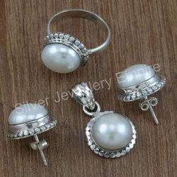 Fantastic Pearl Gemstone Designer Jewelry Beautiful Set