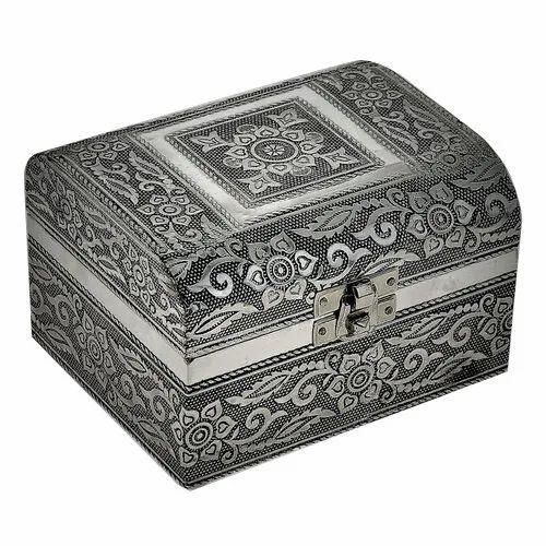Designer White Metal Jewelry Box Velvet Box Round Box Artistic Handicraft Box
