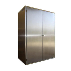 Double Door Stainless Steel Garment Cabinet, For Pharma Industry