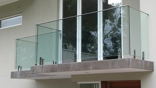Glass And Stainless Steel Balcony Glass Railing Rs 1300