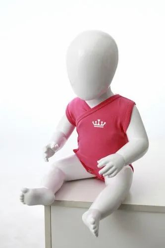 C5 Kids Glossy Sitting Mannequin