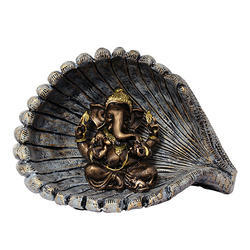 Antique Look Lord Ganesha/ Ganpati Idol in Shell Gift Item