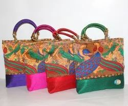 Stylish Traditional Handbag