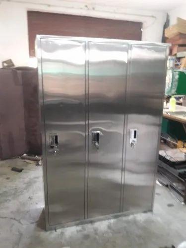 Steel Almirah - Pigeon Hole Almirah Manufacturer from New Delhi