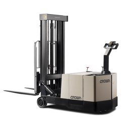 Crown 0.9 and 1.8 Ton Counterbalance Electric Stacker