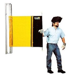 Retractable Welding Screen