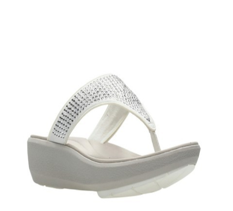 a766ef3cc3df3 Clarks Daily Wear And Casual Wave Dazzle White Sandal