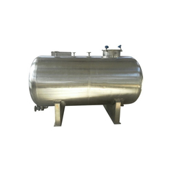 Stainless Steel Water Tank In Delhi स्टेनलेस स्टील पानी
