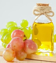 Cold Pressed Grape Seed Carrier Oil