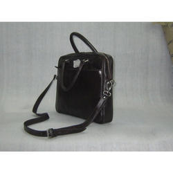ddd98ff86086 Leather Shoulder Bags in Mumbai