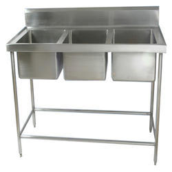 SS Three Sink Wash Unit