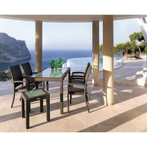 Wicker Outdoors Dining Set