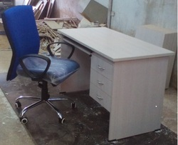 4x2 Table Office Table  With Chairs