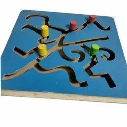 Centre Point Maze Chase Game