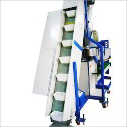 Infeed Conveyor (Bucket Type)