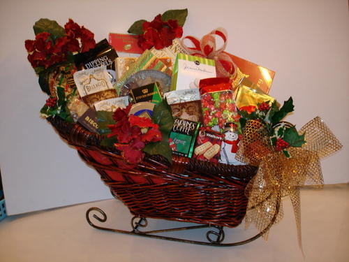 Christmas Baskets.Christmas Chocolate Gift Baskets Dgn Chocolates Delhi