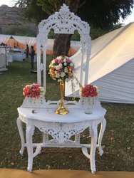 Making Wedding Passage Decoration On Rent