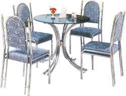 Decorative Standard Steel Dinning Set, For Hotel, Size: 4' X 3'