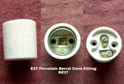 Porcelain E27 Berral Type Lamp Holder BE07