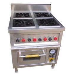 4 Burner Range with Pizza Oven