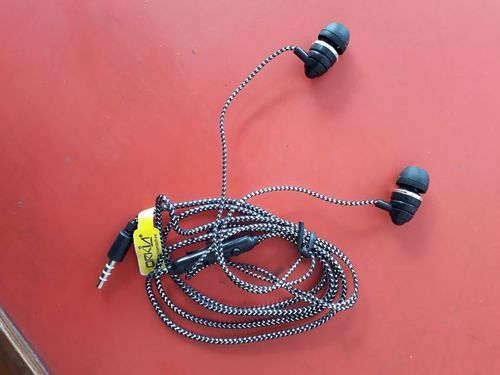 Waheguru Computers ABS Wired Earphone, Rs 75 /piece, Waheguru ...