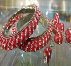 Red And White Stone Bangles With Ladi