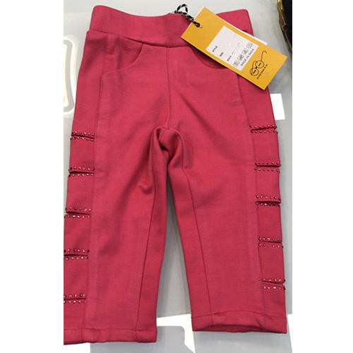 Girl' s Lycra Cotton Red Stretchable Capri, Size: M