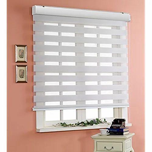 White Vertical Window Zebra Blind Rs 550 Square Feet