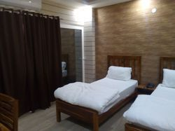 Idbook Indo Room Hotel for 1 day Tripple Bed