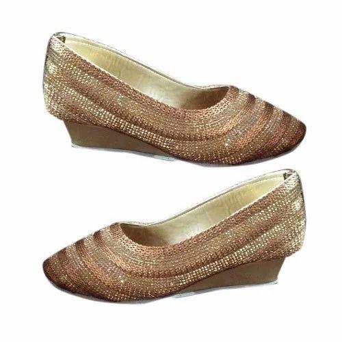 e52c54d000cab Partywear Girl Golden Designer Belly, Rs 170 /pair, Win Footwear ...