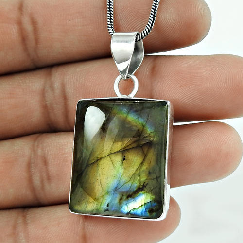 Passionate Love 925 Sterling Silver Labradorite Pendant