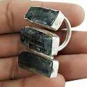 Glamorous Garnet Gemstone Silver Ring