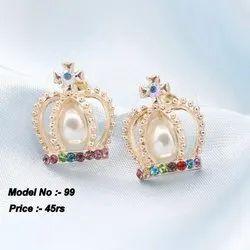 Golden Alloy Stylist Earring