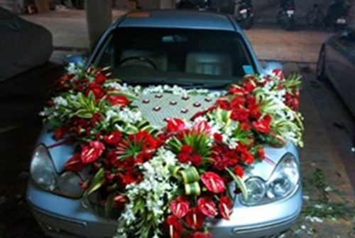 Car flower decoration in vastrapur ahmedabad id 14658555188 car flower decoration junglespirit Choice Image