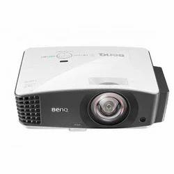 BenQ DX832UST Projector